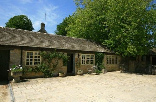 Last Minute Cottages - Inviting Bourton On The Water Cottage S125984