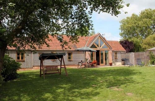 Last Minute Cottages - Giddy Acre Barn