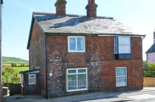 Last Minute Cottages - Charming Newport Cottage S4180