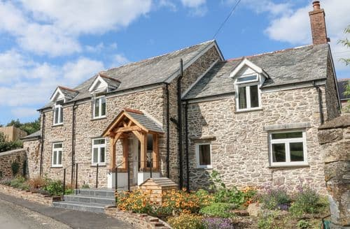 Last Minute Cottages - Middle Dean Farmhouse