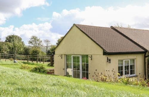 Last Minute Cottages - Luxury Tavistock Cottage S125480