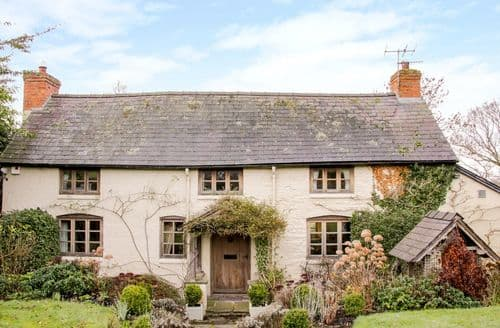 Last Minute Cottages - Charming Churchstoke Cottage S133515