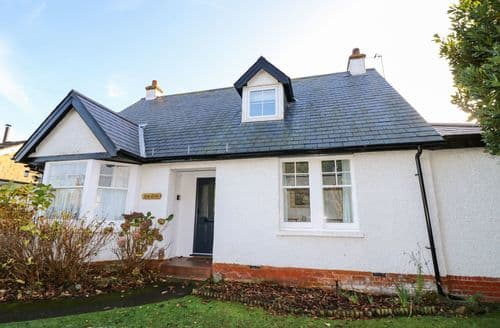 Last Minute Cottages - Baytree Cottage