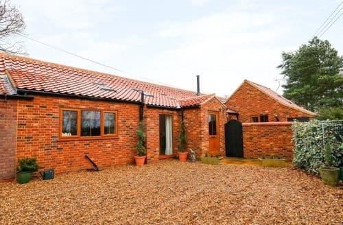 Last Minute Cottages - Honey Buzzard Barn