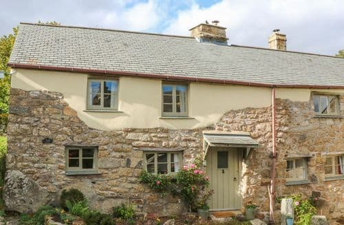 Last Minute Cottages - Three Hares Cottage
