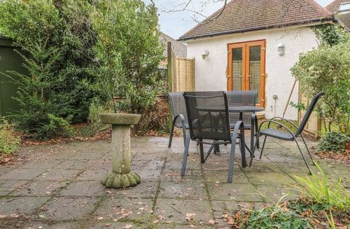 Last Minute Cottages - Wonderful Hurstpierpoint Cottage S127583