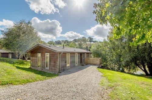 Last Minute Cottages - 2 Watersedge