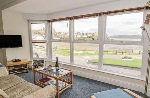 Last Minute Cottages - 4 Sea View Terrace Apartment