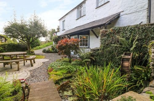 Last Minute Cottages - Old Mill Cottage