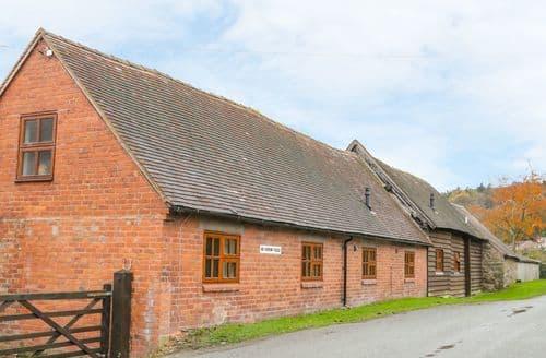 Last Minute Cottages - Old Hall Barn 4