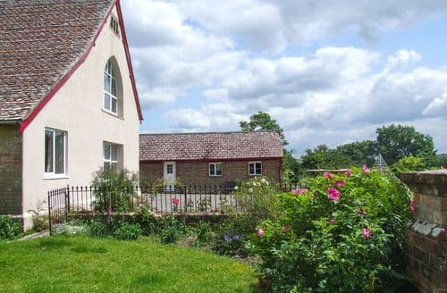 Last Minute Cottages - The Upper School