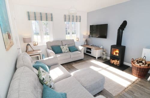 Last Minute Cottages - Lantern House