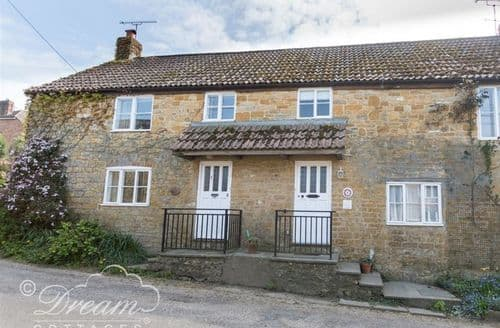 Last Minute Cottages - Pippins Loders