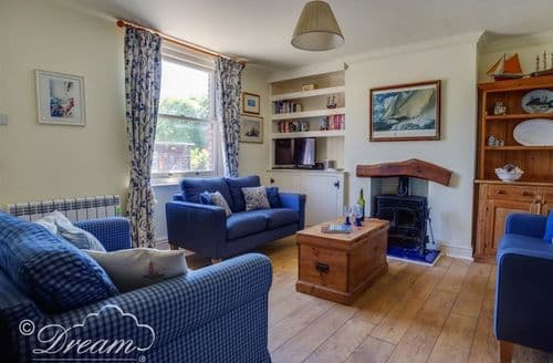 Last Minute Cottages - Cosy Swanage Cottage S126722