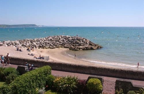 Last Minute Cottages - Weymouth Bay Apartment B