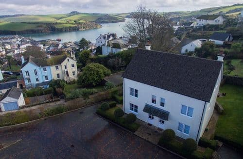 Last Minute Cottages - 2 Combehaven