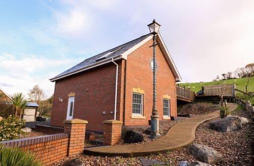 Last Minute Cottages - Beautiful Aberystwyth Cottage S125424
