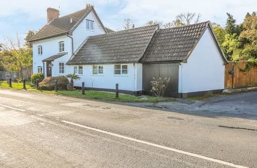 Last Minute Cottages - Adorable Pewsey Cottage S124730