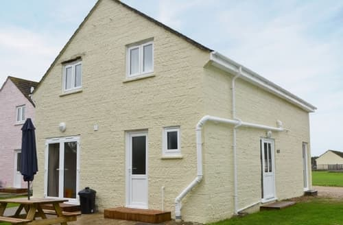 Last Minute Cottages - Skylark