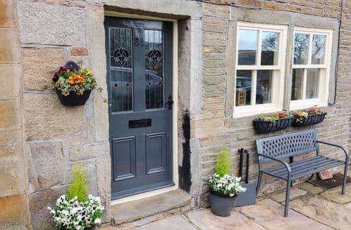 Last Minute Cottages - Adorable Stanbury, Yorkshire Cottage S125724