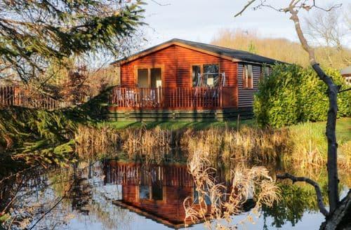 Last Minute Cottages - 6 Manor Park