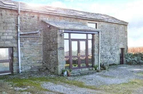 Last Minute Cottages - Height Laithe Barn