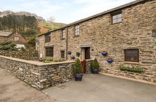 Last Minute Cottages - Gorgeous Kirkby In Furness Cottage S128940