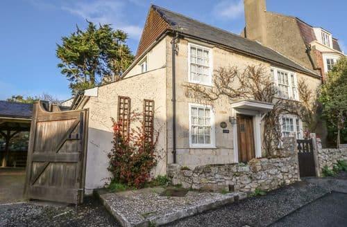 Last Minute Cottages - Myrtle Cottage