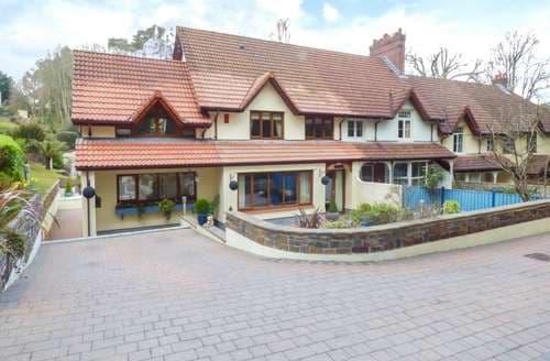 Last Minute Cottages - Adorable Saundersfoot Cottage S128659