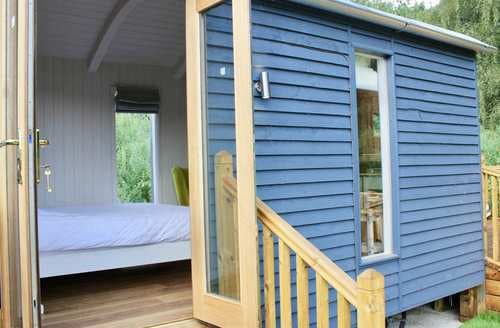 Last Minute Cottages - The Shepherds Hut