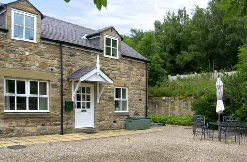 Last Minute Cottages - Cosy Hexham Cottage S105350