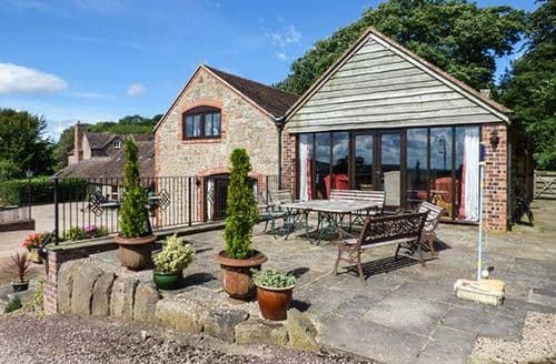 Last Minute Cottages - Beautiful Church Stretton House S2021