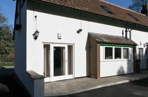 Last Minute Cottages - No. 1 Low Hall Cottages