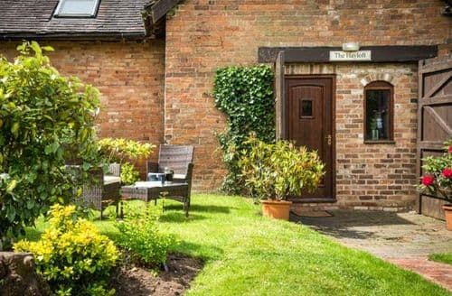 Last Minute Cottages - Excellent Stratford Upon Avon Cottage S6768