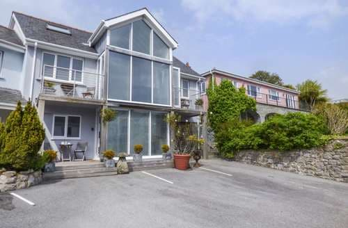 Last Minute Cottages - Captivating Tenby House S4714
