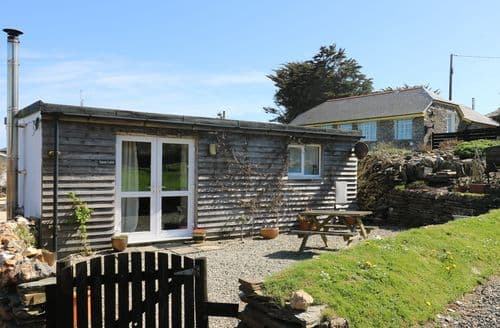 Last Minute Cottages - Sunny Cabin
