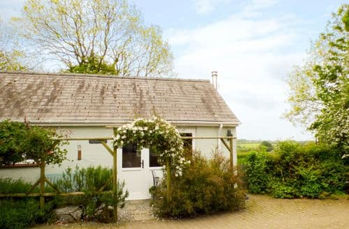 Last Minute Cottages - The Duck House