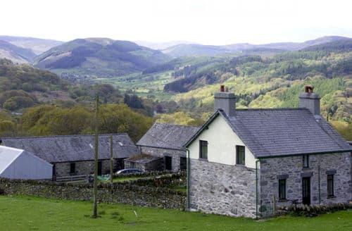 Last Minute Cottages - Charming Llanrwst Ucha S4649