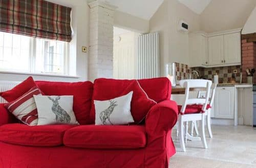 Last Minute Cottages - Stapledon Lodge