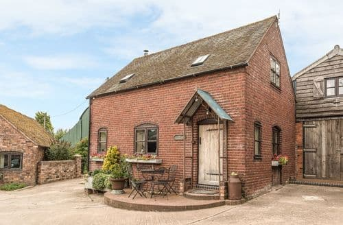 Last Minute Cottages - The Corn House