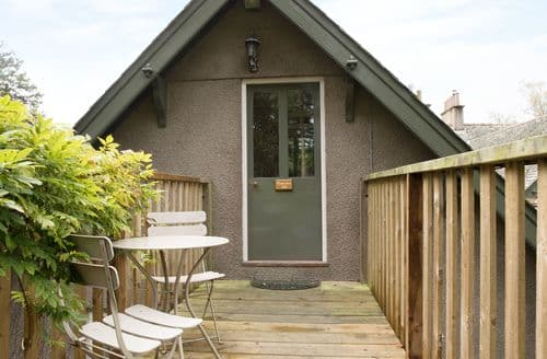 Last Minute Cottages - Tasteful Tiverton Loft S2336