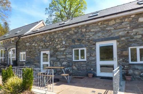 Last Minute Cottages - Tryweryn