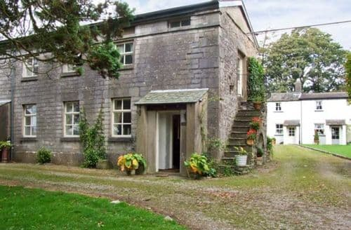 Last Minute Cottages - Groom's Quarters
