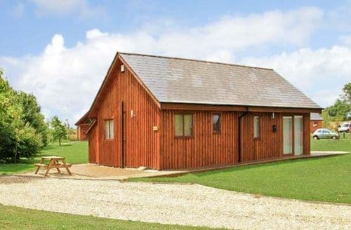 Last Minute Cottages - Birkdale Lodge