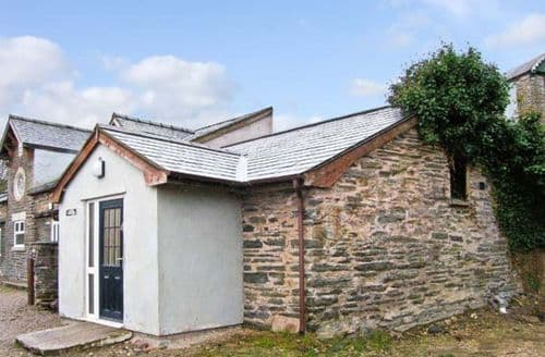 Last Minute Cottages - Hendre Aled Cottage 1