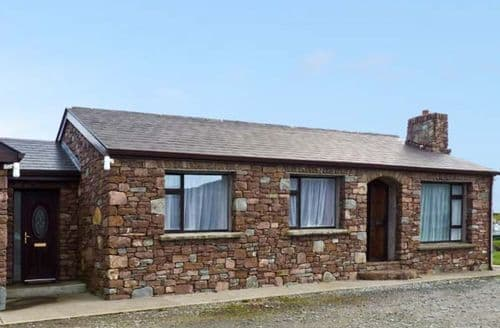 Last Minute Cottages - Captivating Tully, County Galway Cottage S41069