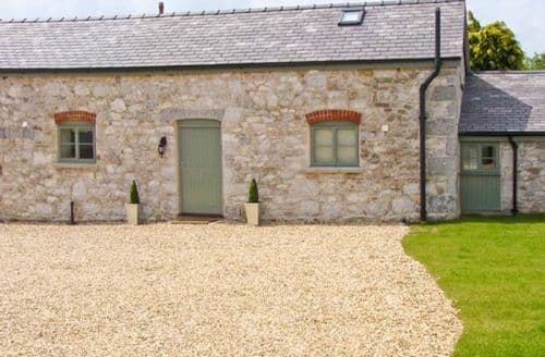 Last Minute Cottages - Splendid Holywell Shippon S5420