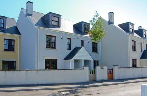 Last Minute Cottages - Gorgeous Burry Port Harbour S5245