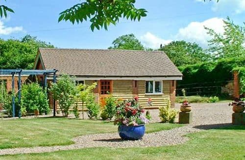 Last Minute Cottages - Wonderful Worcester Byre S2663