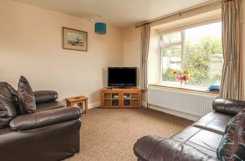 Last Minute Cottages - Hillymouth